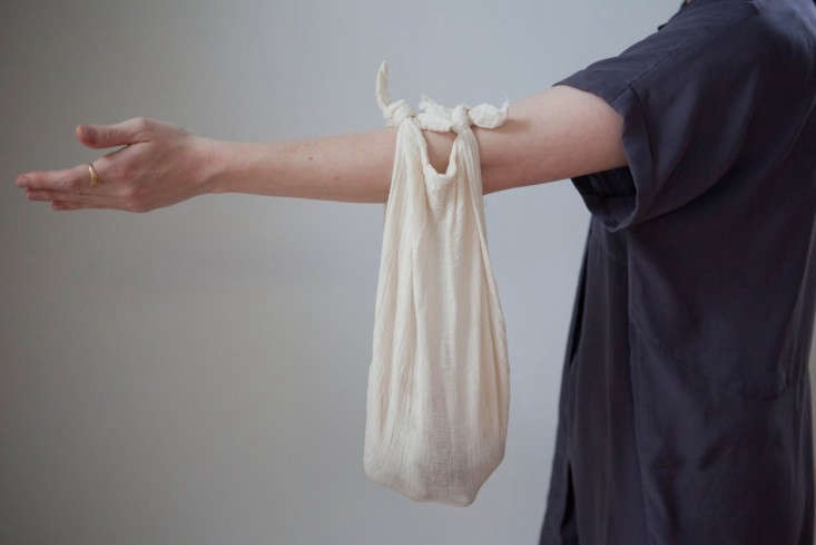DIY-Furoshiki-Cloth-Carry-Wrap-Remodelista-1