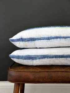 DIY: Housetweaking Pillow Cover | Remodelista