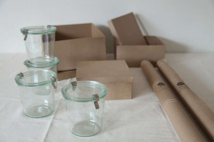 DIY-Holiday-Gift-Wrap-Ideas-with-Terrain-Remodelista-02