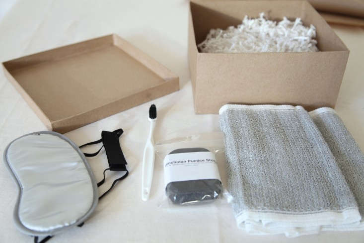 DIY-Holiday-Gift-Wrap-Ideas-with-Terrain-Remodelista-10