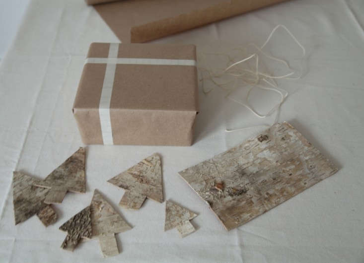 DIY-Holiday-Gift-Wrap-Ideas-with-Terrain-Remodelista-13