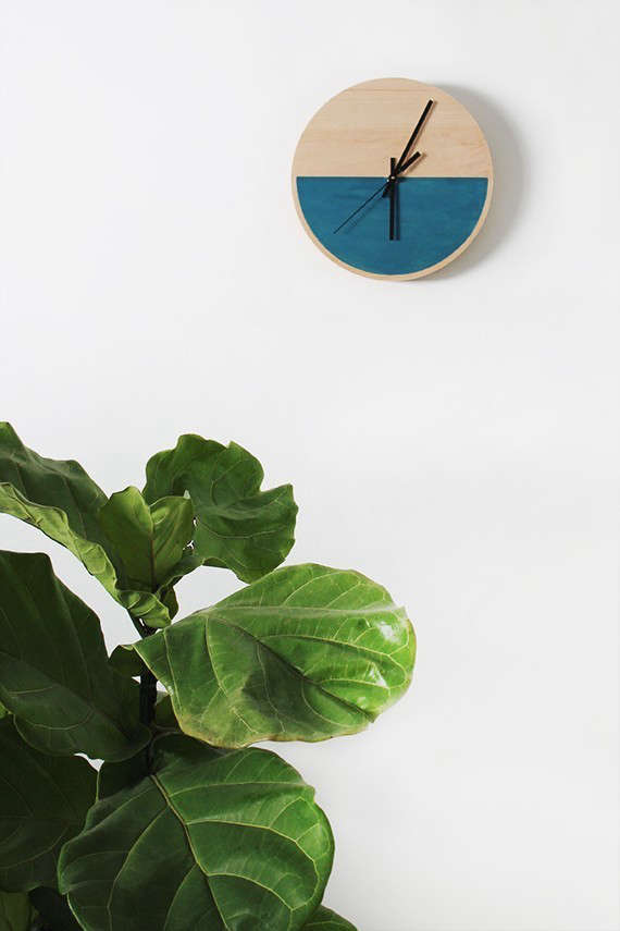 DIY-color-block-clock-by-Molly-from-Almost-Makes-Perfect-Remodelista-4_0