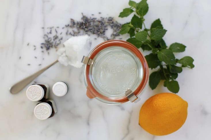 DIY-hand-sanitizer-christine-chitnis-gardenista-1