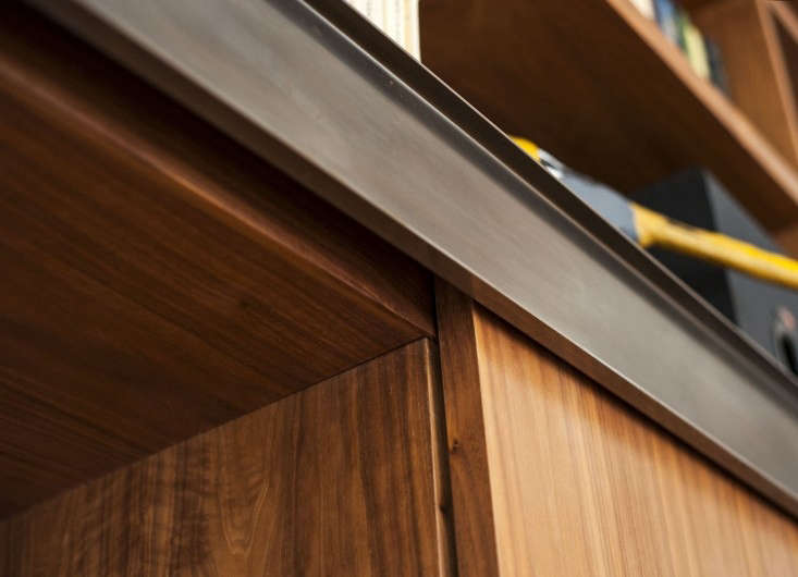 Dagmar-Daley-sliding-bookshelf-construction-detail-Remodelista