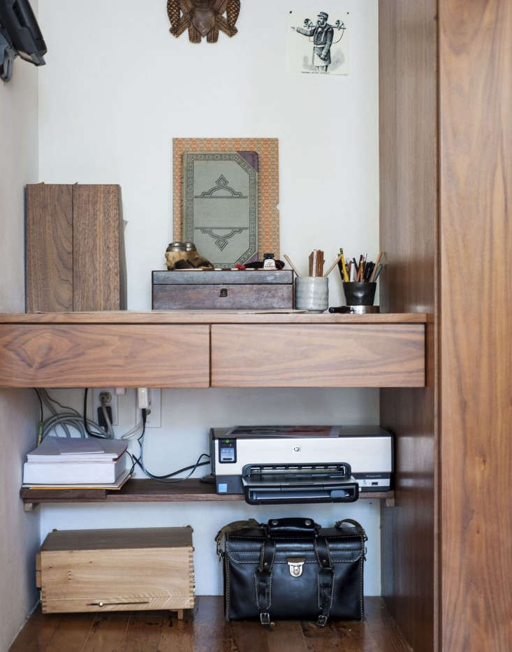 Dagmar-Daley-sliding-bookshelf-home-office-desk-2-Remodelista
