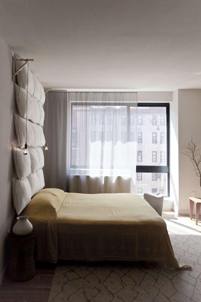 Dale-Saylor-Joe-Williamson-NYC-Apartment-Michael-Muller-Remodelista-2