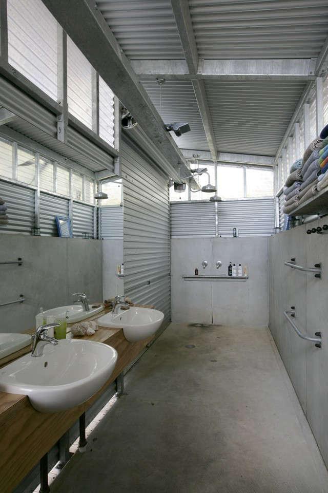 Davis-Bure-Pip-Cheshire-architect-Whale-Bay-NZ-Remodelista-12