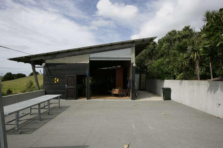Davis-Bure-Pip-Cheshire-architect-Whale-Bay-NZ-Remodelista-23