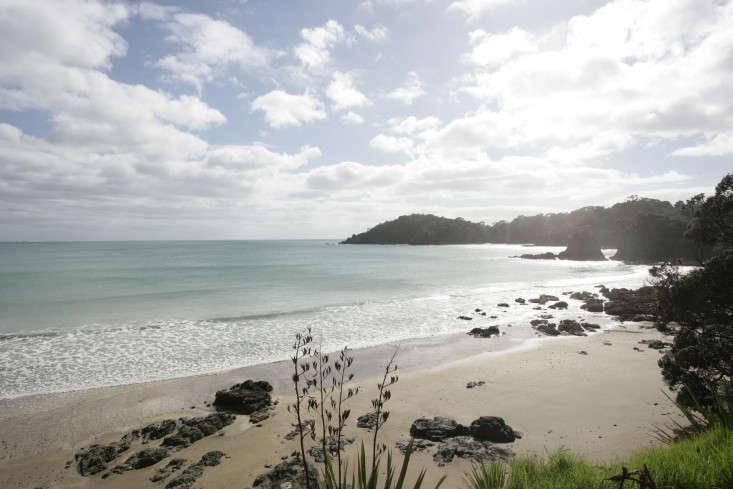 Davis-Bure-Pip-Cheshire-architect-Whale-Bay-NZ-Remodelista-28