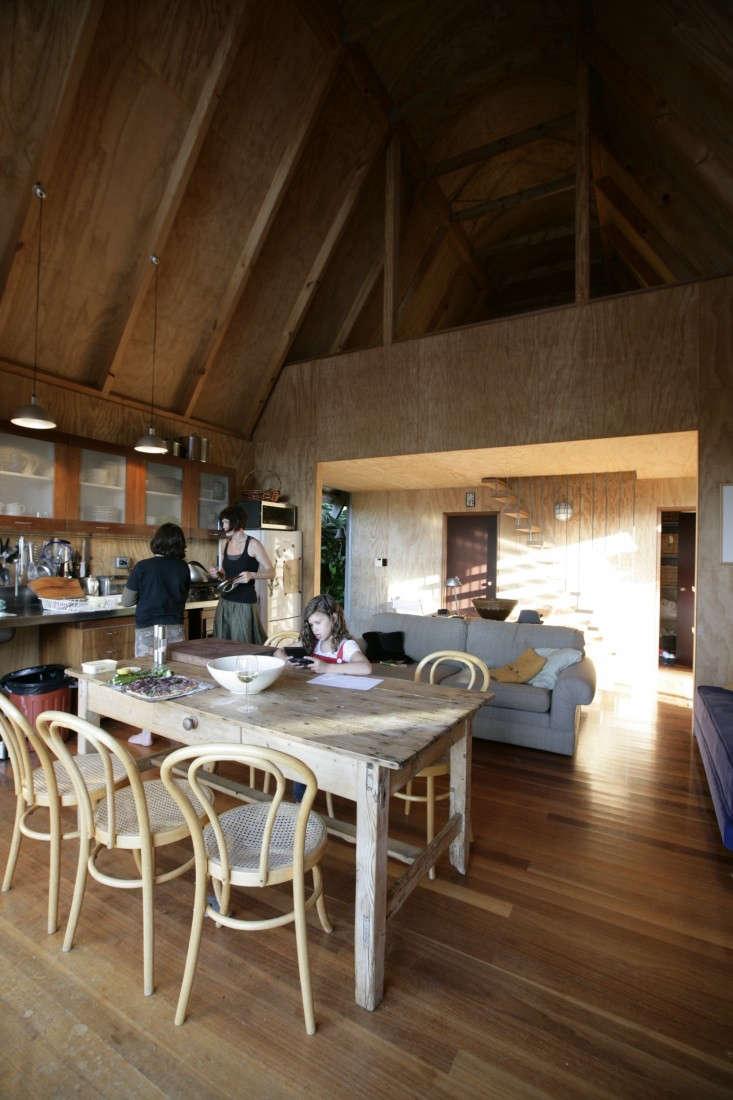 Davis-Bure-Pip-Cheshire-architect-Whale-Bay-NZ-Remodelista-4