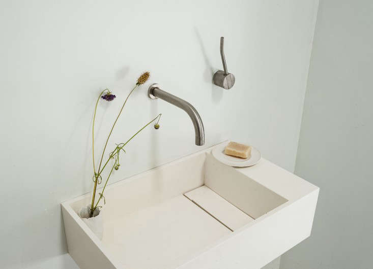 Tiny spa bath in designer Michaela Scherrer's house in LA, Matthew Williams photo | Remodelista