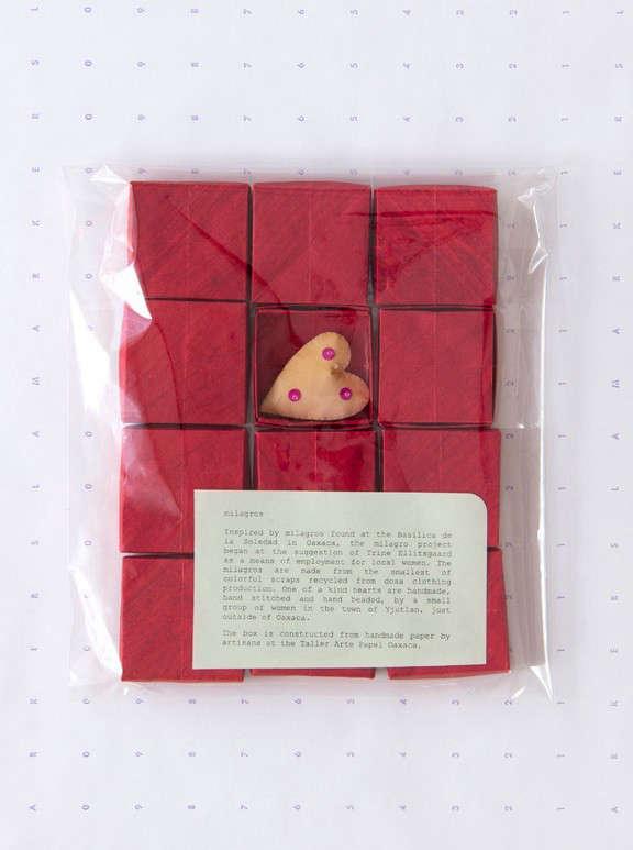 Dosa-corazon-milagros-red-boxes-Remodelista