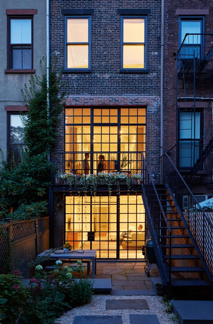 Drew-Lang-Carroll-Gardens-townhouse-remodel-Ty-Cole-photo-Remodelista-1