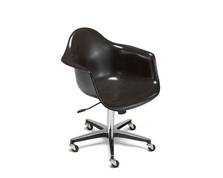 Eames-Fiberglass-Rolling-Base-Arm-Shell-Remodelista