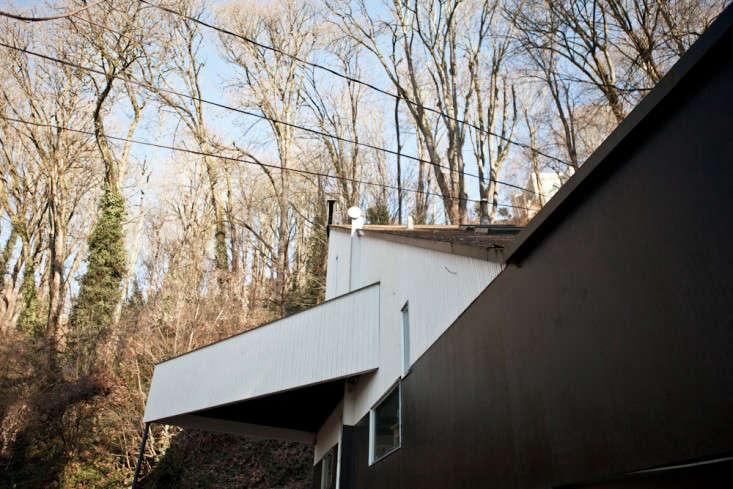 Egan-House-Seattle-Michael-Muller-Remodelista-025