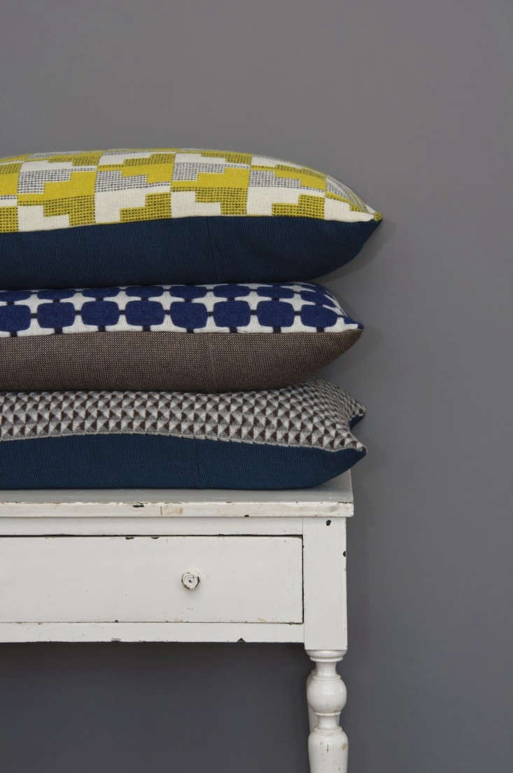 Eleanor Pritchard-pillows-Easterly-525 Line-and-Quail's-Egg-photo-by-Kangan-Arora-Remodelista