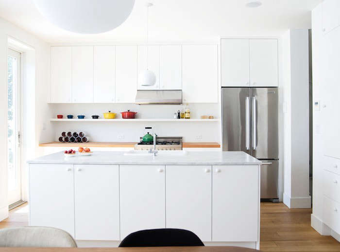 Elizabeth-Roberts-White-Kitchen-Marble-Countertops-Remodelista