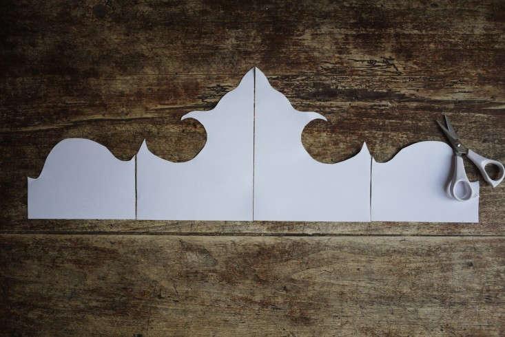 Emma-Cassi-Jeweler-DIY-Wallpaper-headboard-Remodelista-04