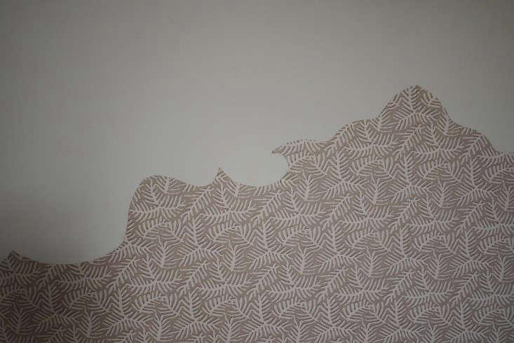 Emma-Cassi-Jeweler-DIY-Wallpaper-headboard-Remodelista-05