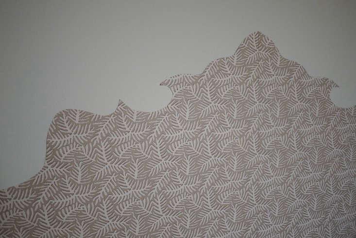 Emma-Cassi-Jeweler-DIY-Wallpaper-headboard-Remodelista-06