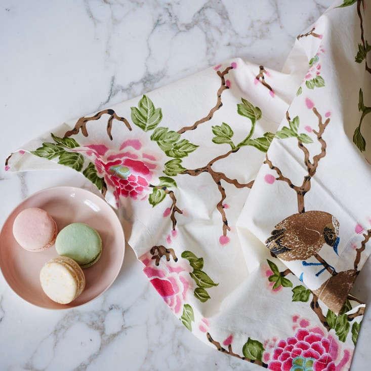 Erica-Tanov-Lovebird-napkins-Remodelista