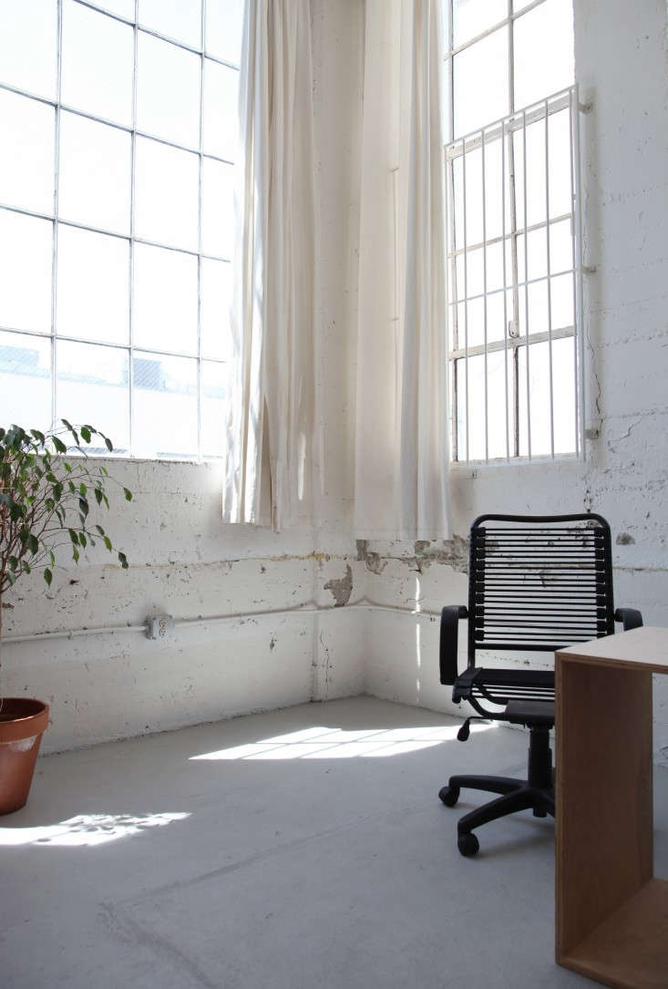 Everlane-Office-San-Francisco-Alexa-Hotz-Remodelista-9