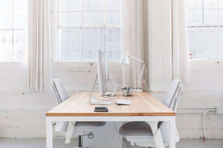 Everlane-Studio-Office-Space-Remodelista-5