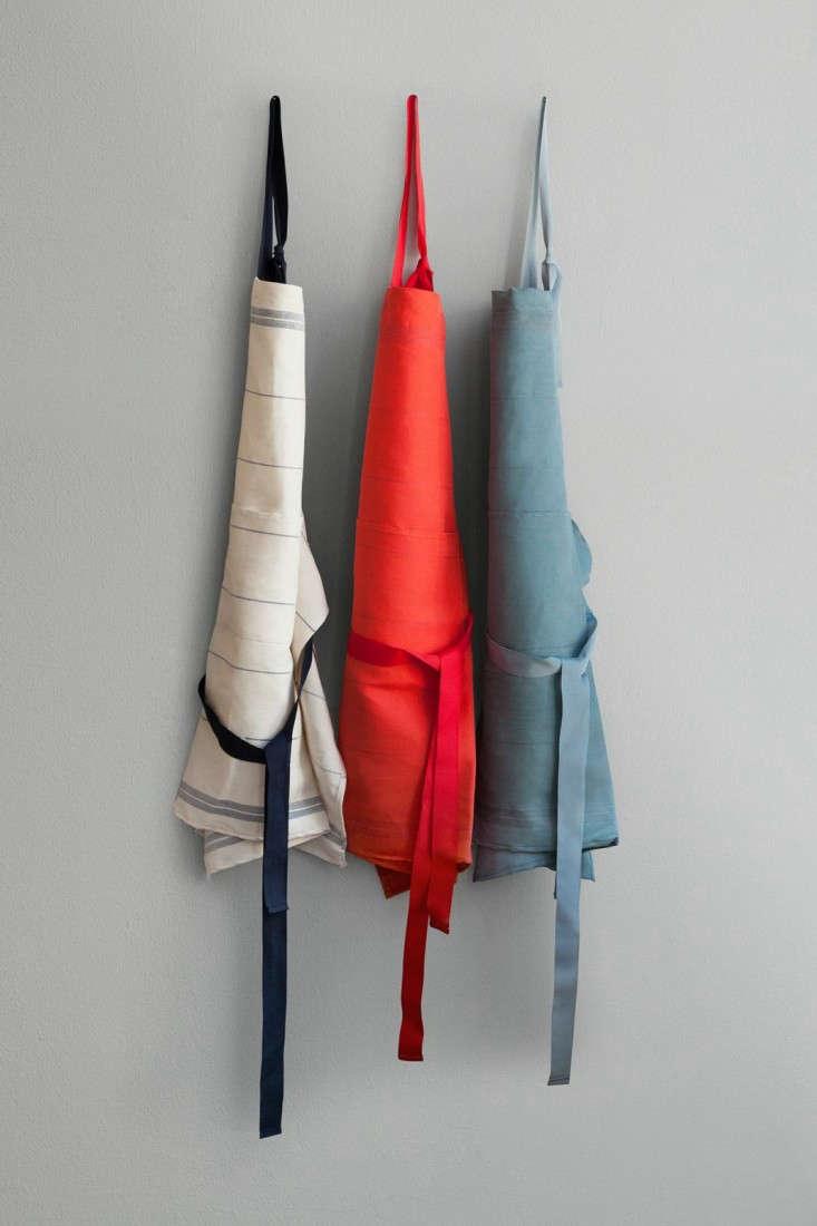 Falcon-Fabricware-Linen-Cotton-Aprons-Remodelista