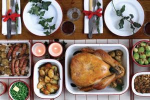 Falcon Enamelware Christmas Dinner | Remodelista
