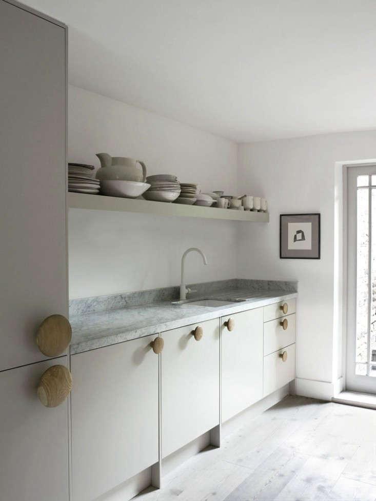 Faye-Toogood-London-Kitchen-Remodelista-10