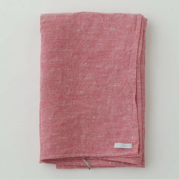 Fog-Linen-Work-Linen-Chambray-Towels-Red-Remodelista