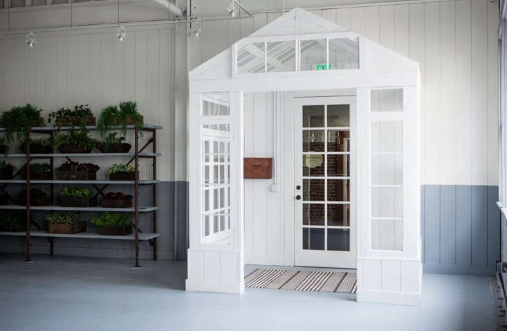 Frank-&-Eileen-Los-Angeles-showroom-designed-by-Melody-Weir-Torkil-Stadval-photo-Remodelist-6