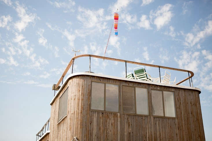 Fredericks-&-Mae-houseboat-Douglas-Lyle-Thompson-Remodelista-45