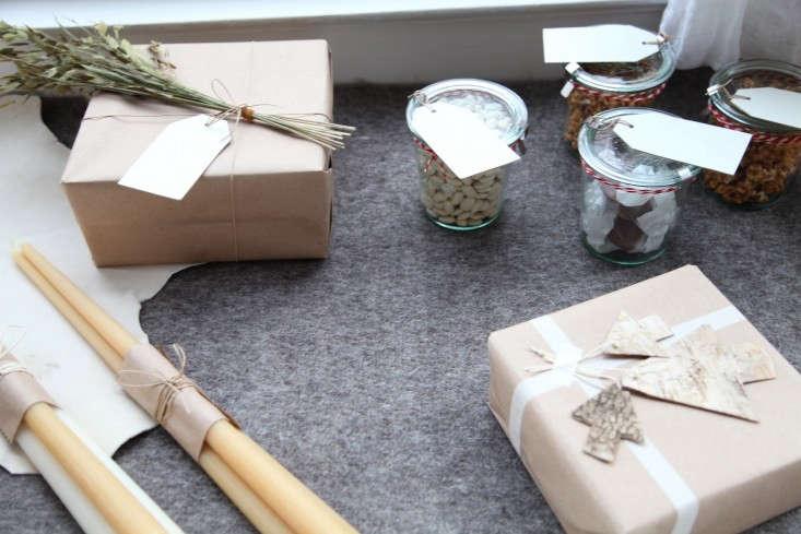 Gifts-in-Window-Remodelista-Terrain