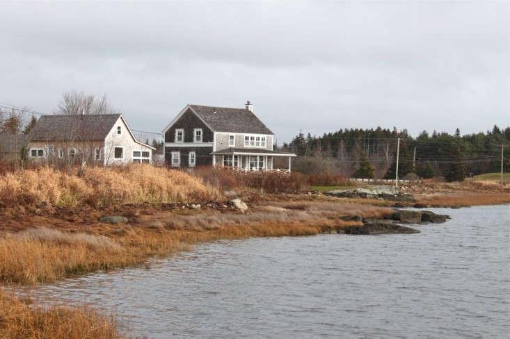 Harbor-Cottage-Maine-Justine-Hand-Remodelista