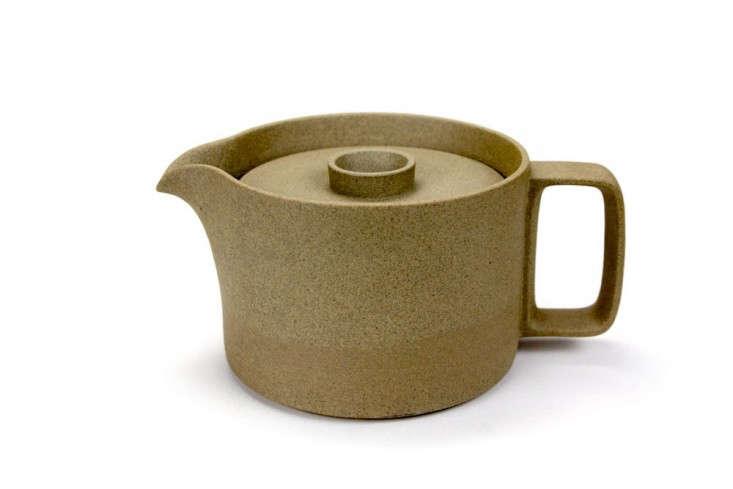 Hasami-Porcelain-Teapot-Rikumo-Remodelista