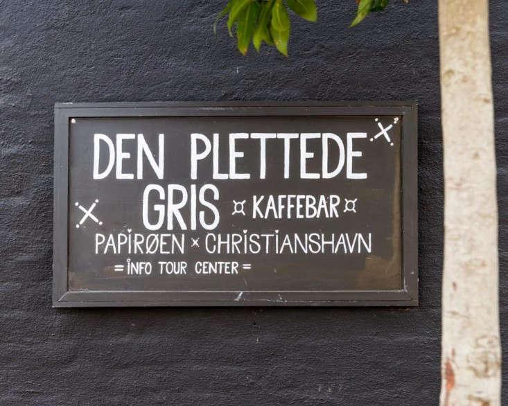 Henrik-Vibskov-Coffee-Shop-Chistianhavn-Copenhagen-01