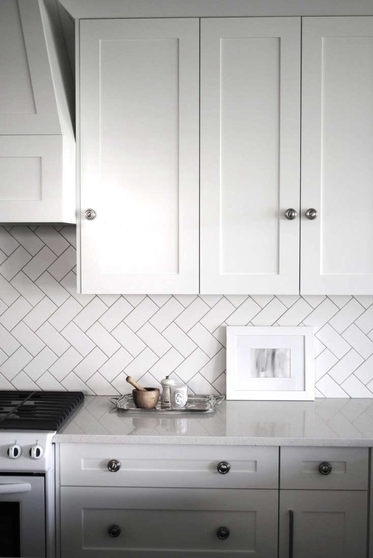Herringbone-subway-tile-Remodelista-01