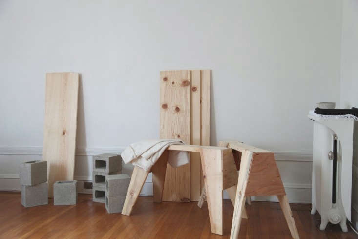 Home-For-The-Holidays-Instant-DIY-Sawhorse-Table-Remodelista-04