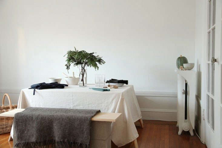 Home-For-the-Holidays-Instant-Table-Remodelista-002