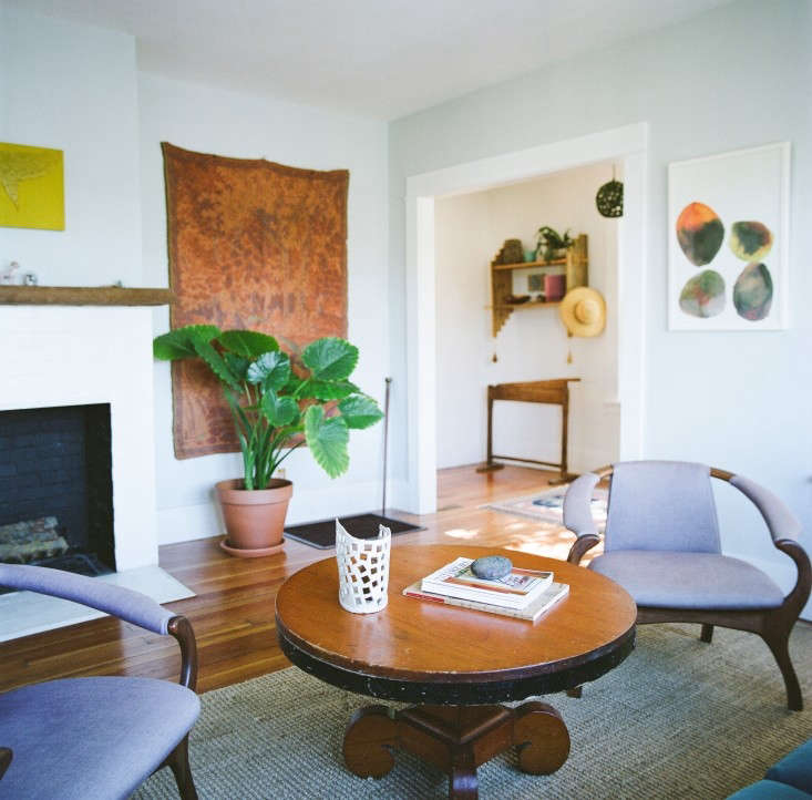 House-Call-Kathleen-Whitaker-Echo-Park-Living-Room-Remodelista-01