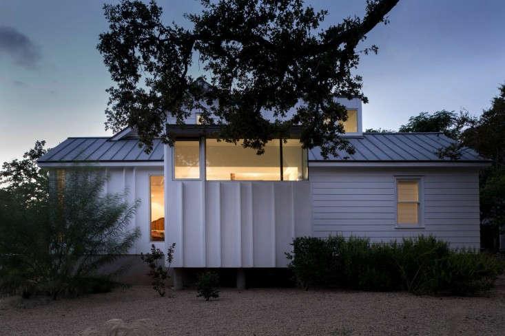 Hugh-Randolph-Palma-Plaza-Renovation-Austin-Texas-Whit-Preston-Remodelista-16