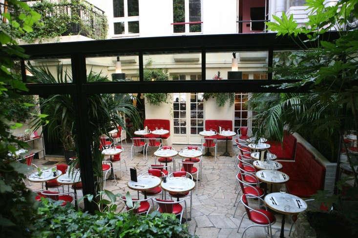 IHotel-Amour-Paris-restaurant-2-Remodelista