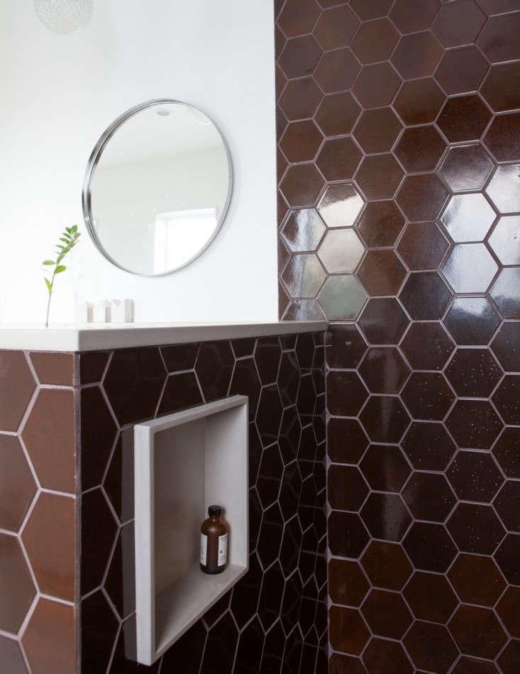 Ian-Read-Medium-Plenty-Master-Bath-Heath-Tiles-Remodelista-02