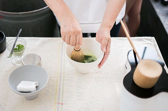 Japanese-matcha-party-making-tea