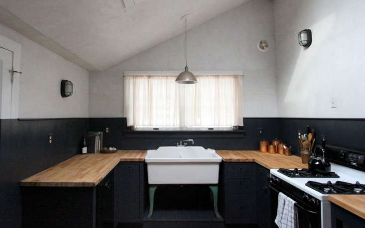 Jersey-Ice-Cream-blacn-and-white-kitchen-Remodelista-03
