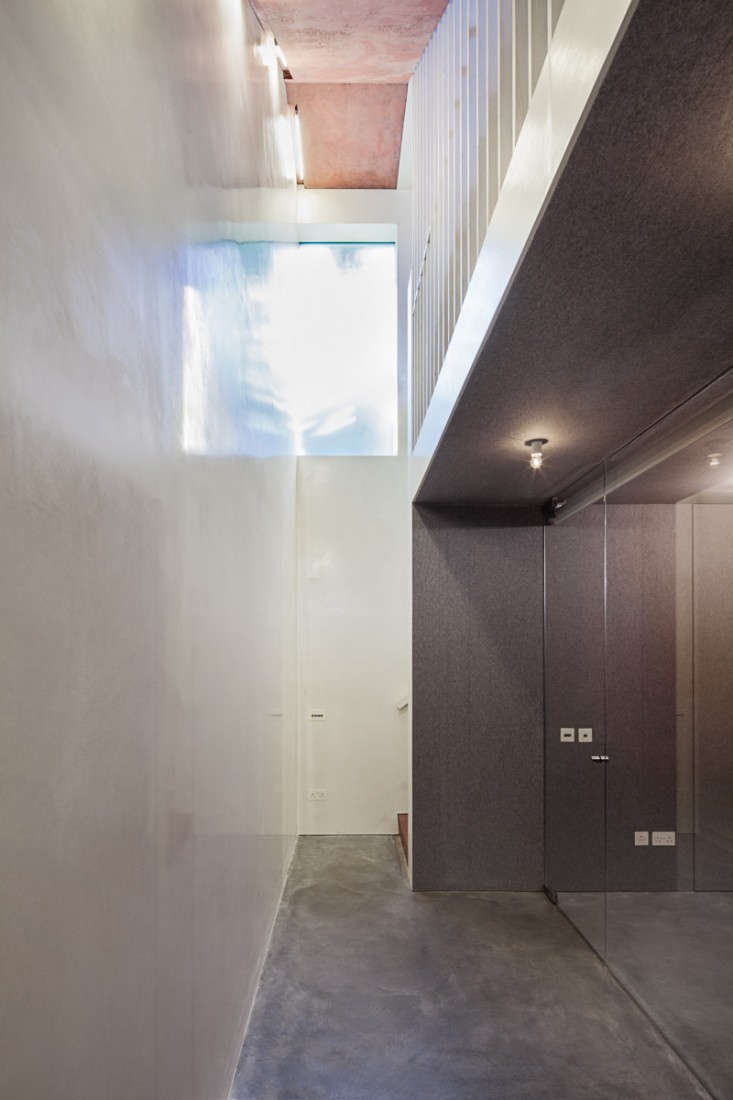 Jonathan-Tuckey-Ex-Submariner's-House-London-Remodelista-12