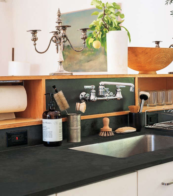 Julie-Carlson-kitchen-Outlets-Remodelista
