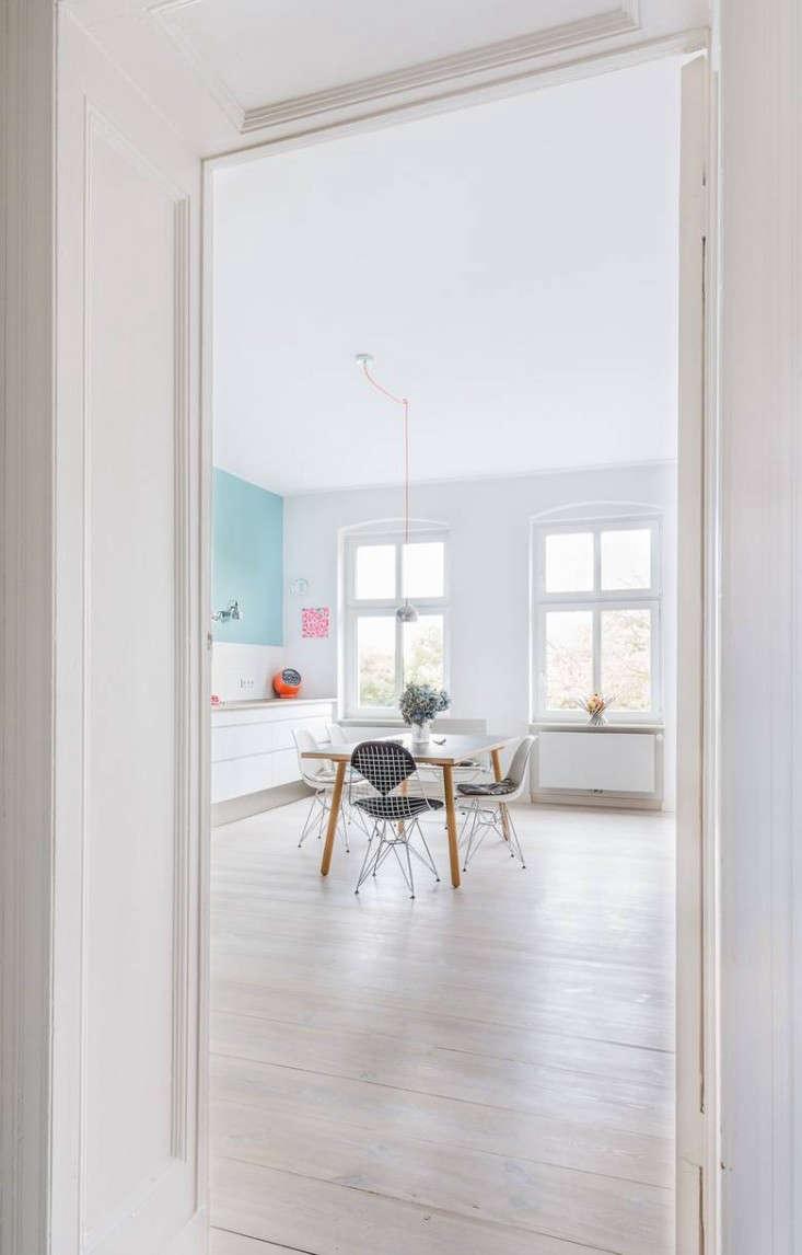 Karhard-Berlin-Flat-Blue-Kitchen-Wall-Remodelista-03
