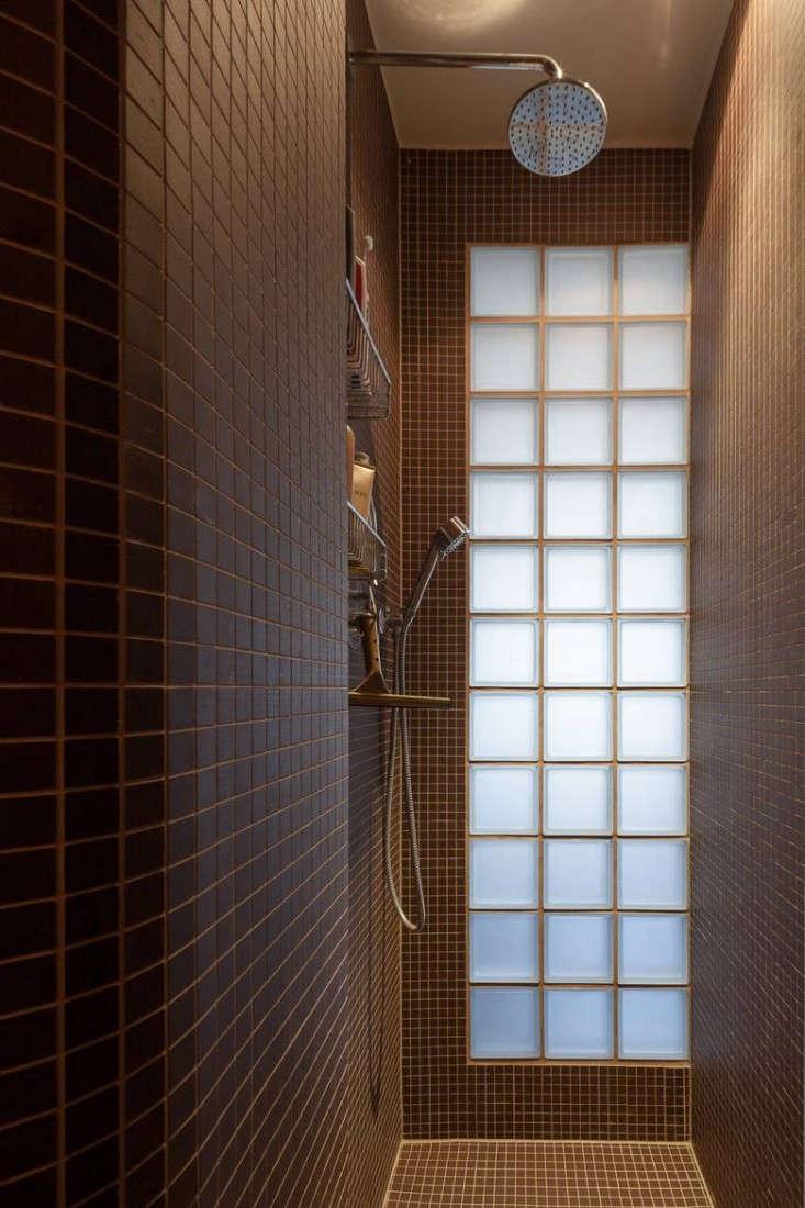 Karhard-Berlin-Flat-Dark-Blue-Bathroom-Mosaic-Tiles-Remodelista-01